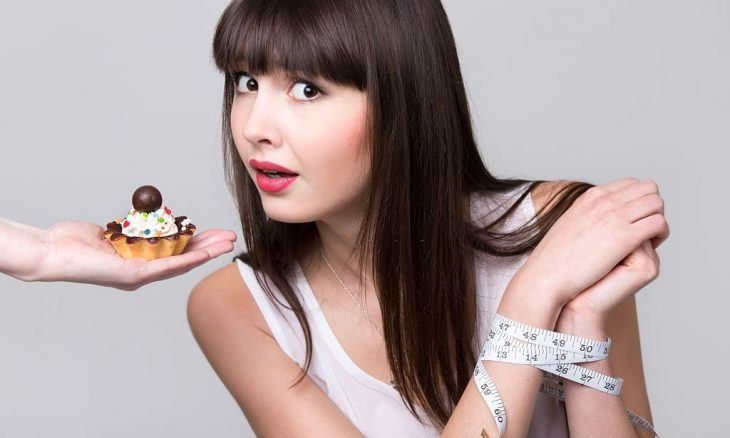 10 Tips on How to Control Food Cravings